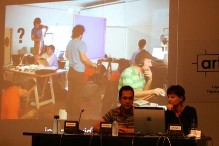Conferencia de Marcos García y Laura Fernandez de MediaLab-Prado - small