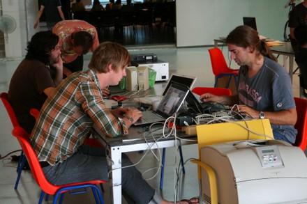 David Sjunnesson, Oscar y Moisés Mañas , trabajando un poco - small