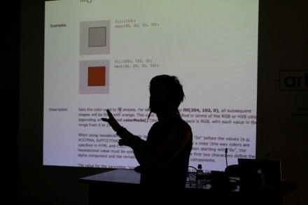 Emanuele Mazza explicando processing - small